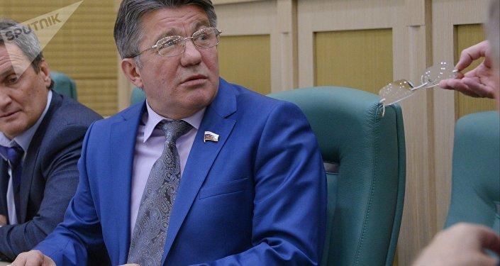 El jefe del Comité de Defensa y Seguridad del Consejo de la Federación, Víktor Ózerov
