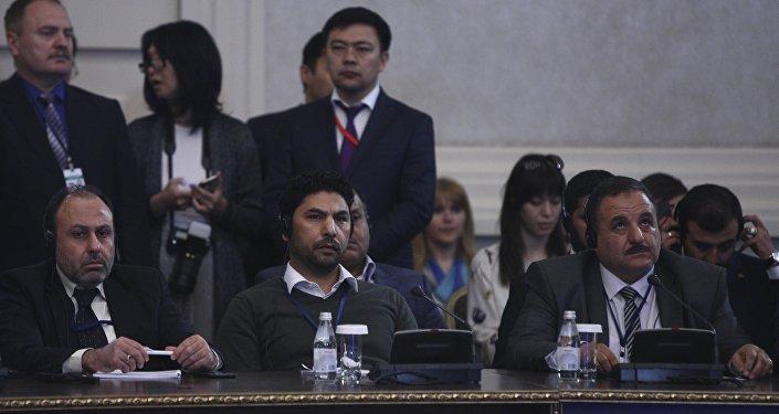 Osama Abu Zeid, portavoz de la delegación de la oposición siria en las consultas en Astaná