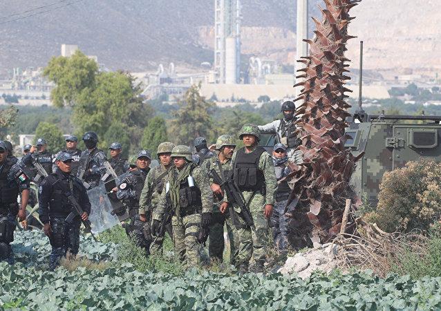 Militares mexicanos en el estado de Puebla