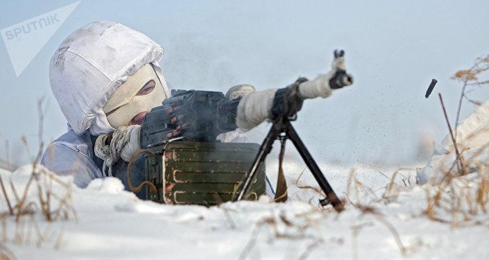 Soldado ruso en el Ártico