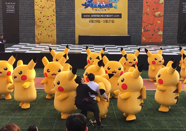 Un Pikachu se desinfla en pleno espectáculo