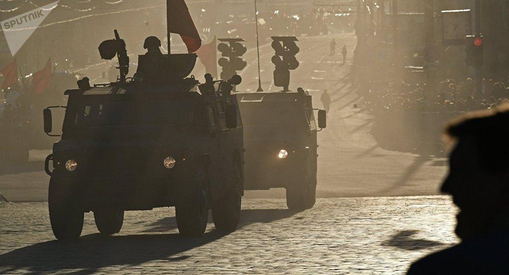 Los todoterrenos blindados rusos Tigr durante el ensayo del Desfile de la Victoria en Moscú