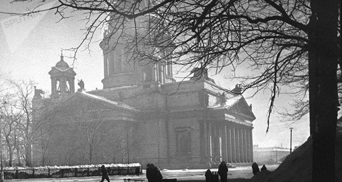 Leningrado en 1943. La Catedral de San Isaac