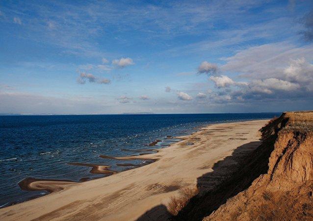 Una playa (archivo)