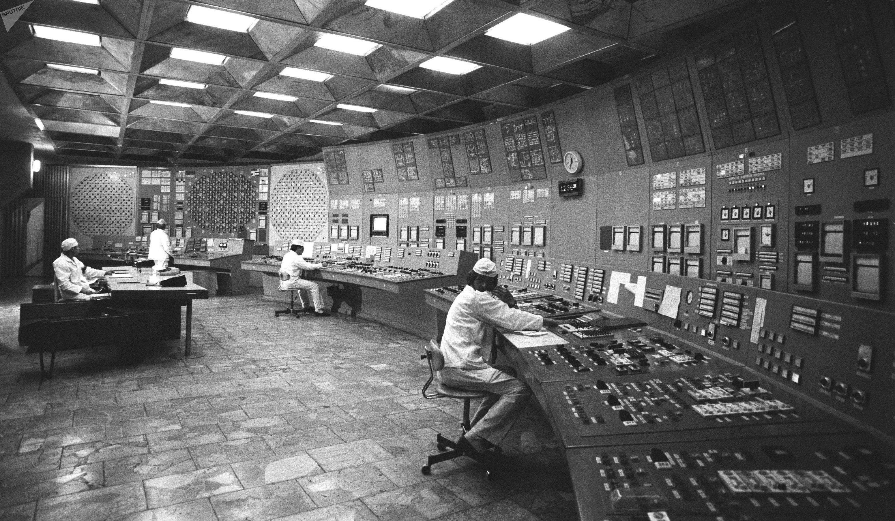 Central nuclear de Chernóbil, 1985