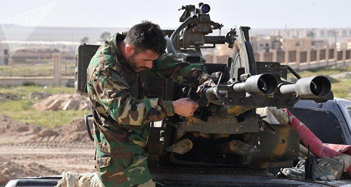Un militar sirio en Deir Ezzor