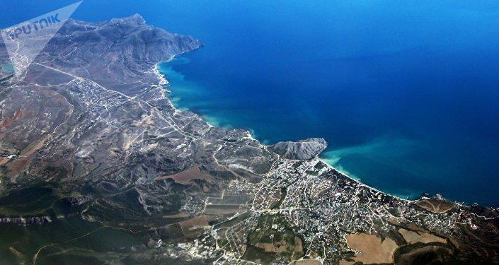 La ciudad de Sudak en la península de Crimea