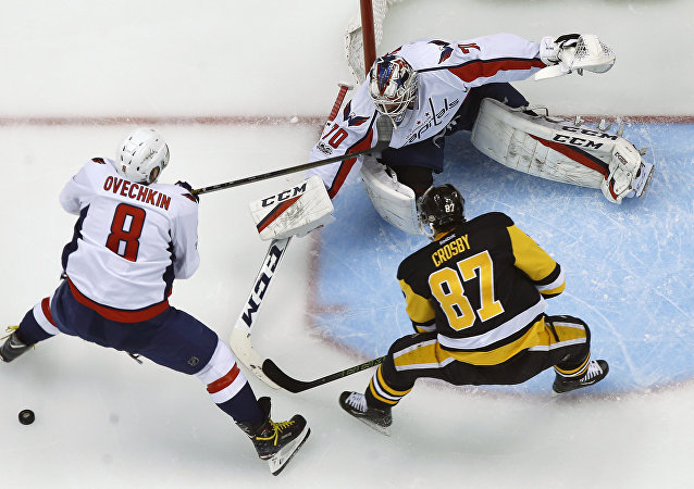 El partido entre el Pittsburgh Penguins y Washington Capitals en la eliminatoria de la copa Stanley