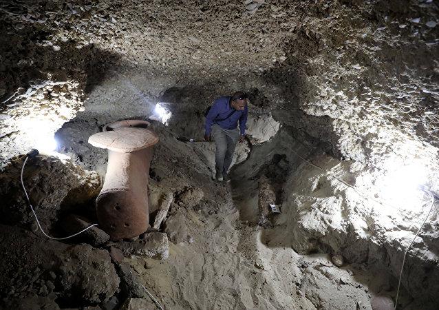 El interior de la cámara funeraria recientemente descubierta