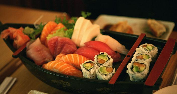 Sushi y sashimi (archivo)
