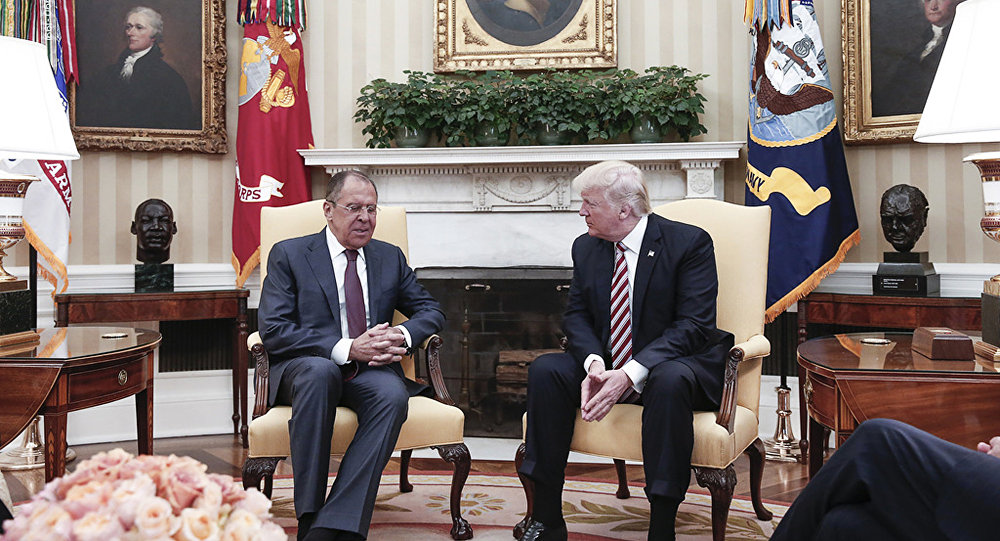 El canciller ruso, Serguéi Lavrov, y el presidente de EEUU, Donald Trump