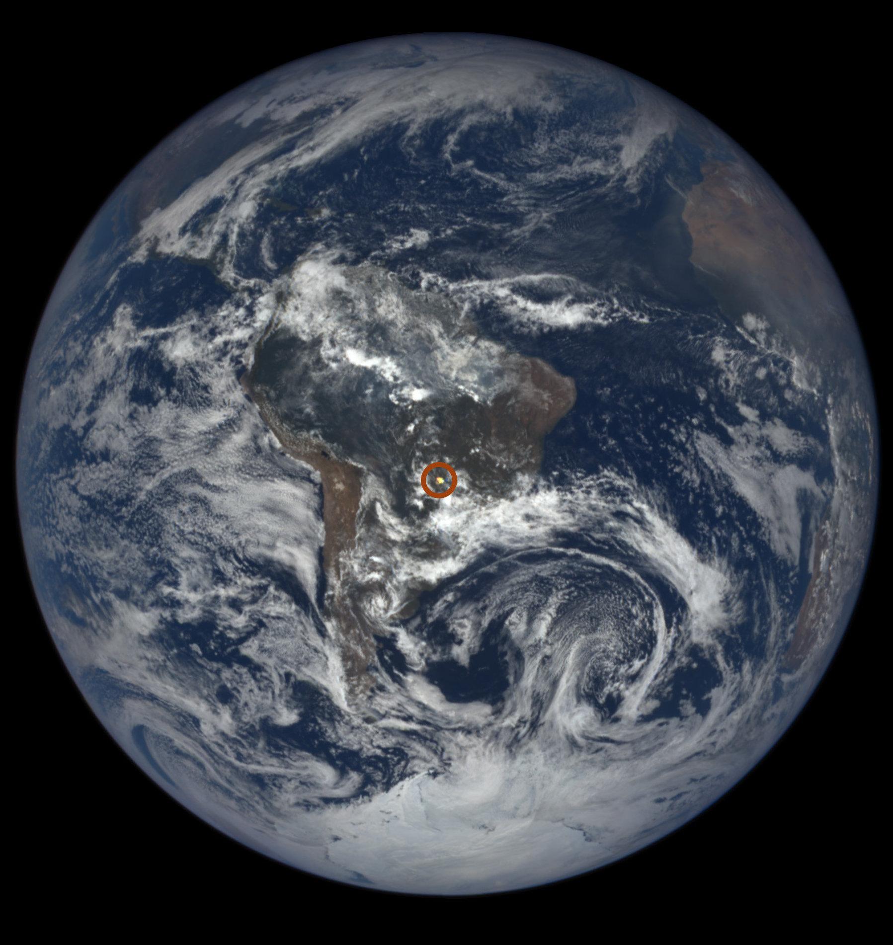 Los misteriosos destellos sobre la Tierra ya tienen explicación — NASA