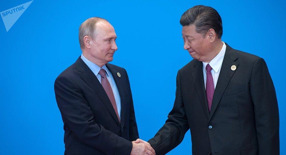 Vladímir Putin, presidente de Rusia y Xi Jinping, presidente de China (archivo)