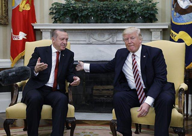 El presidente de Turquía, Recep Tayyip Erdogan, y el presidente de EEUU, Donald Trump (archivo)