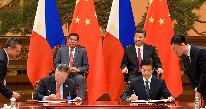 Presidente de Filipinas, Rodrigo Duterte, y presidente de China, Xi Jinping