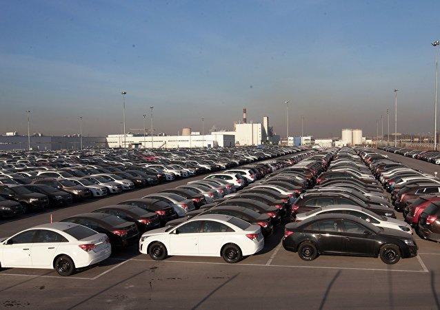 Los coches Opel y Chevrolet de la compañía General Motors