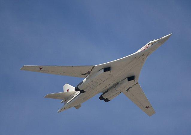 Bombardero estratégico Tu-160 (archivo)