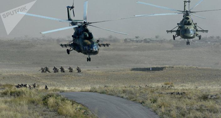 Ejercicios militares en Kazajistán
