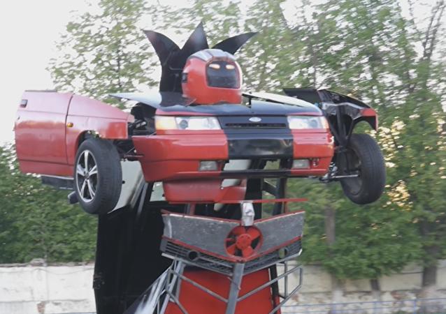 El fin de las disputas de tránsito: legendario Lada se convierte en un Transformer