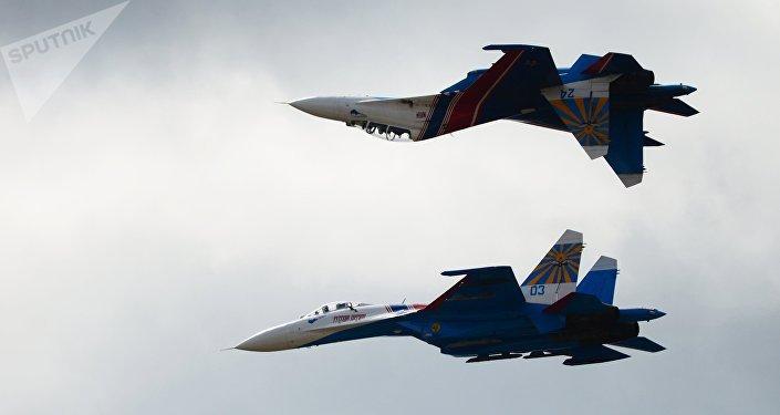 Aviones Su-27