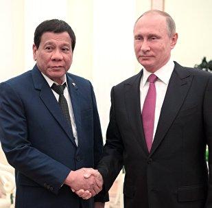 El presidente de Rusia, Vladímir Putin, y su homólogo filipino, Rodrigo Duterte (archivo)
