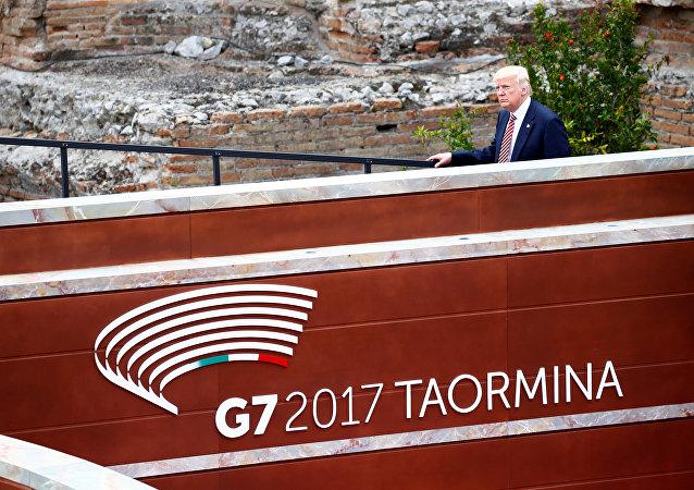 Donald Trump, presidente de EEUU, llegando a la cumbre del G7 en Taormina, Italia