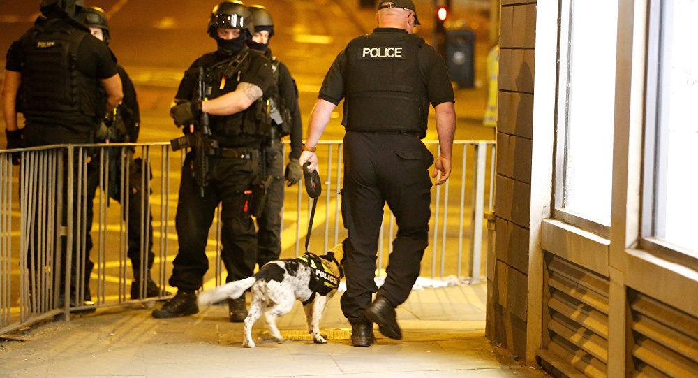 La policía de Mánchester cerca de Manchester Arena