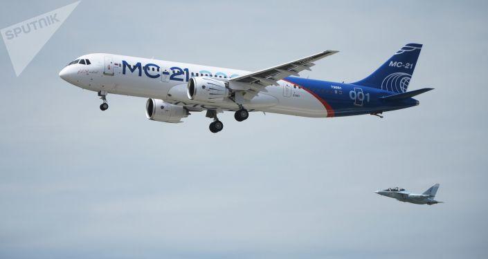 Preparatevi, Boeing e Airbus! gigante russo MC-21 fa il suo primo volo
