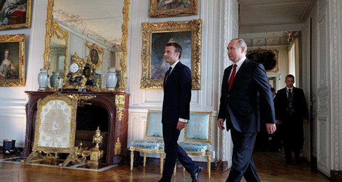 Emmanuel Macron, presidente de Francia, y su homólogo ruso, Vladímir Putin (archivo)