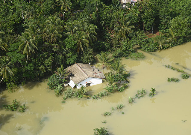 Casa inundada en Matara, Sri Lanka