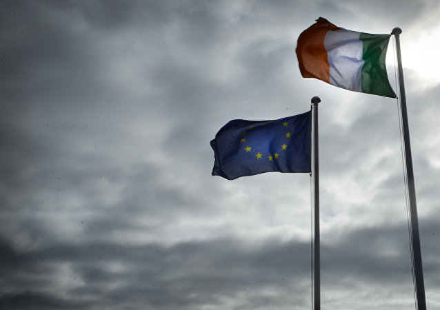 Banderas de la UE e Irlanda