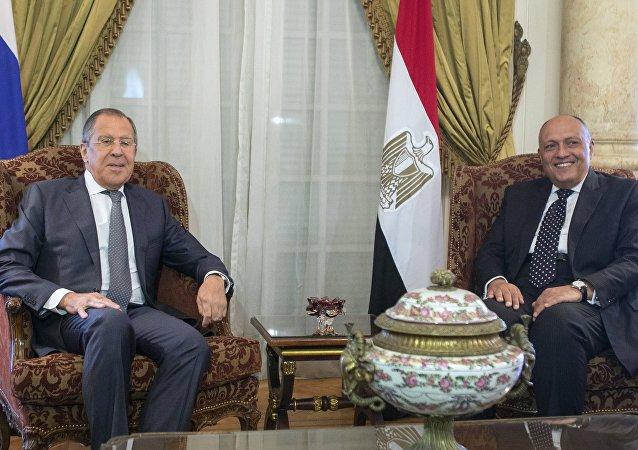 El ministro de Exteriores ruso, Serguéi Lavrov y su homólogo de Egipto, Sameh Shukri (archivo)