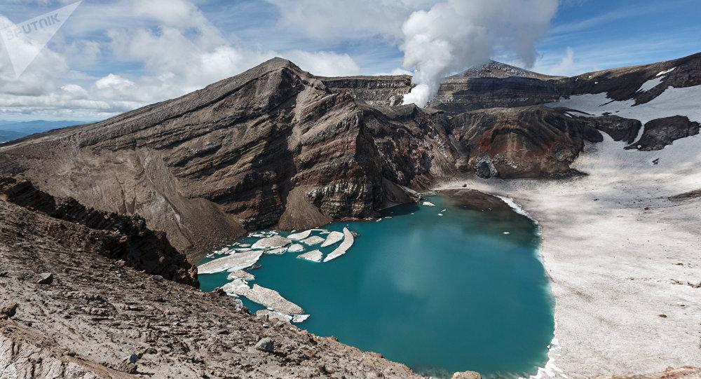 Un volcán en Kamchatka, Rusia (imagen referencial)