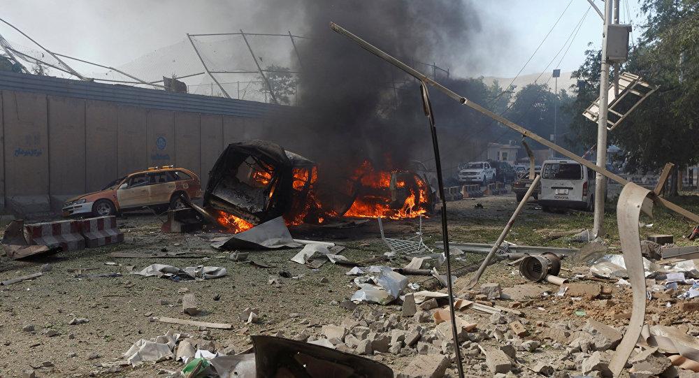 Afganistán: Dos atentados suicidas en mezquitas dejan decenas de muertos (FUERTES IMÁGENES)
