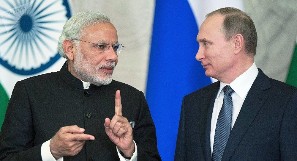 Vladímir Putin, el presidente de Rusia y el primer ministro de India, Narendra Modi