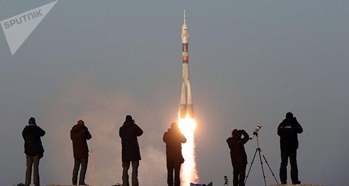 Lanzamiento del cohete Soyuz ( imagen referencial)