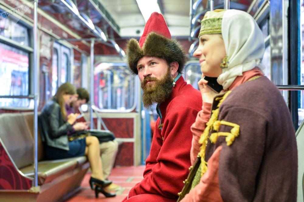 En la línea del metro de Moscú Zamoskvorétskaya empezó a circular el tren 'Los tiempos y las épocas'
