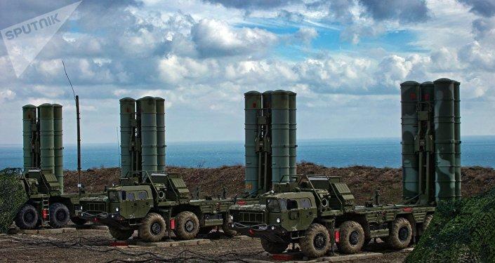 Misiles antiaéreos S-400 (archivo)