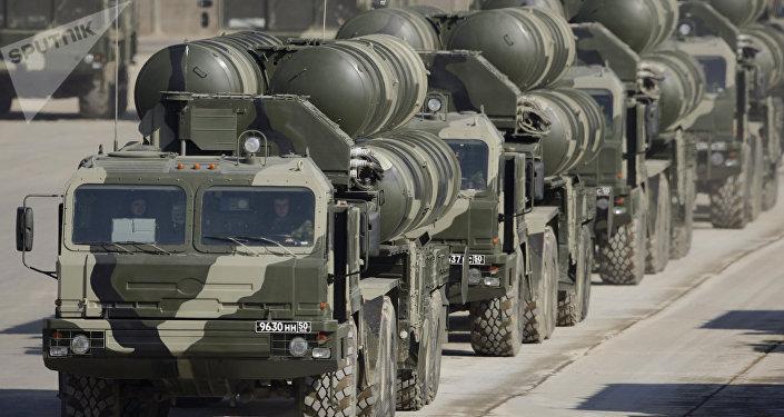Los complejos de misiles S-400