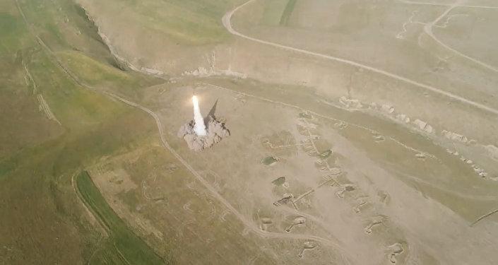 El primer lanzamiento de misiles Iskander-M fuera del territorio ruso