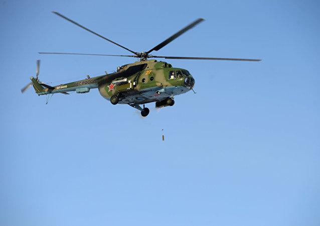 Helicóptero Mi-8