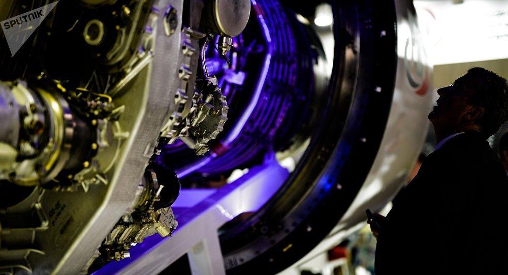 Motor aeronáutico PD-14 presentado en el salón MAKS