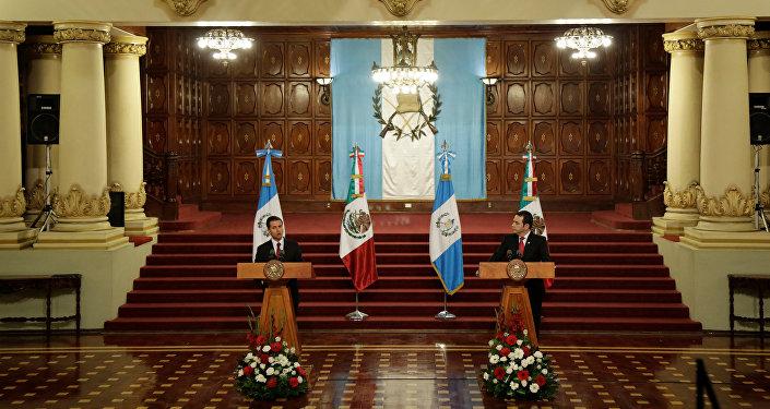 Presidente de México, Enrique Peña Nieto, y presidente de Guatemala, Jimmy Morales