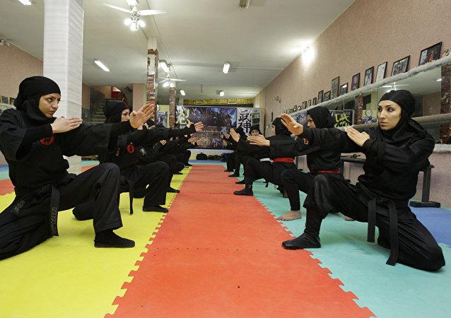 Mujeres ninjas de Irán