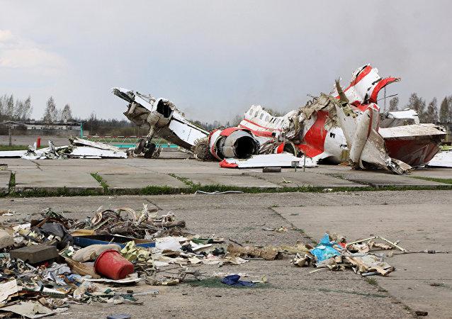 Restos del avión polaco Tu-154 (Archivo)