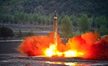 Lanzamiento de un misil balístico en Corea del Norte