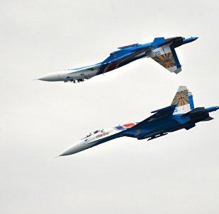 Los cazas rusos Su-27