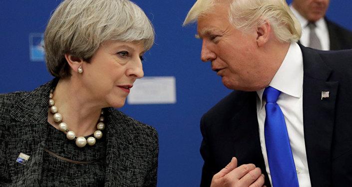 Presidente de EEUU, Donald Trump, y primera ministra del Reino Unido, Theresa May (archivo)