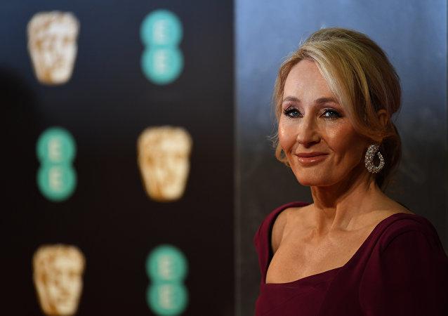 J. K. Rowling, escritora británica (archivo)