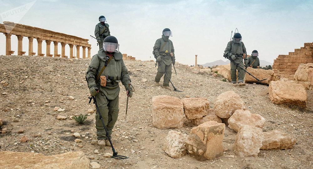 Zapadores rusos desminan la ciudad siria de Palmira